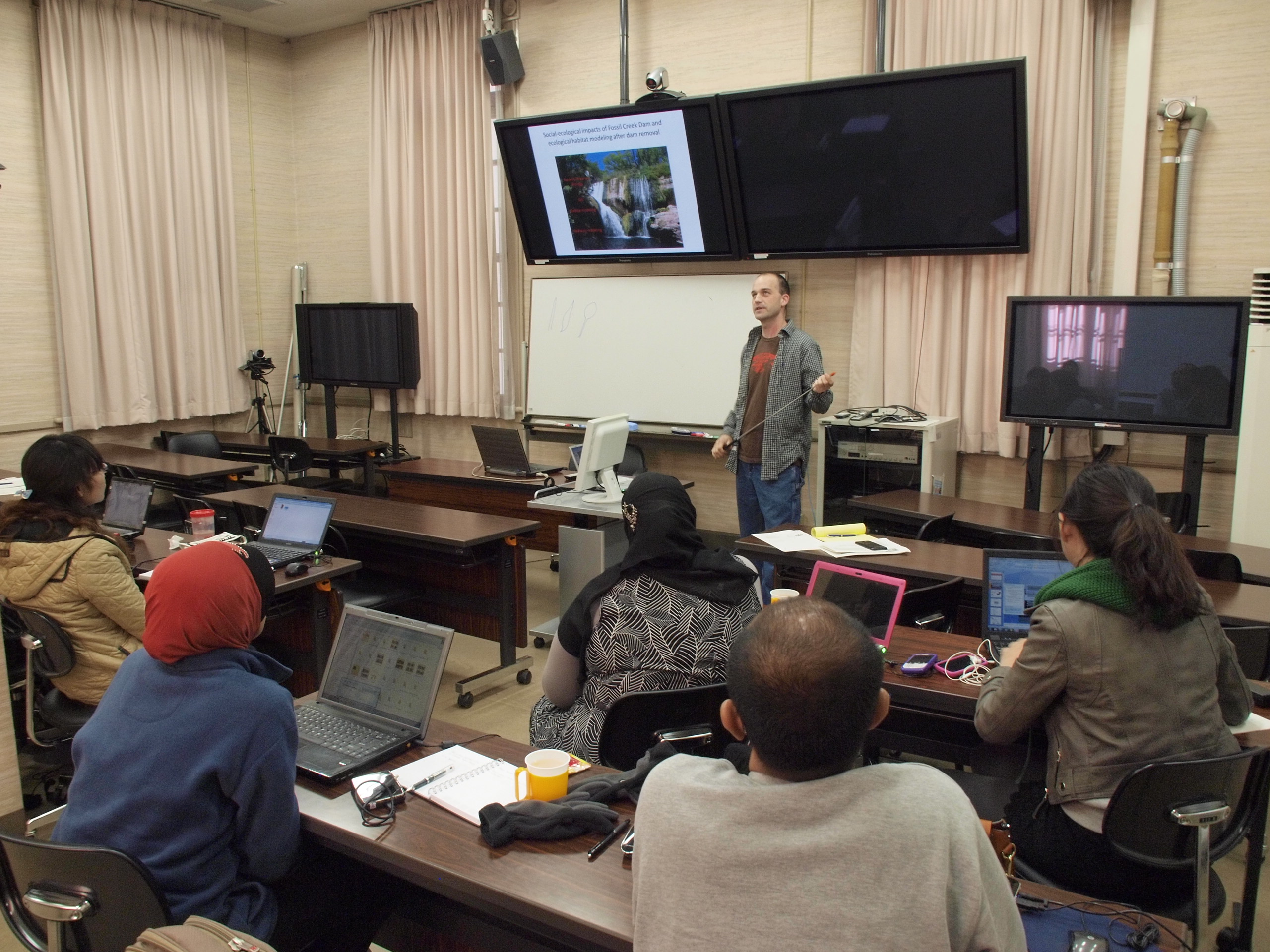 Chas Jones teaches a class in Hokkaido University, in Sapporo, Japan. His teaching philosophy includes incorporating the diverse experiences of his students. Photo.